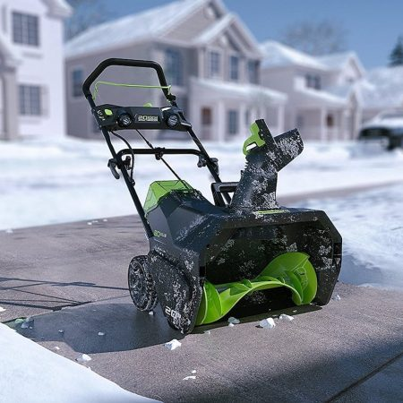 Best Greenworks Snow Blower – Review & Buying Guide