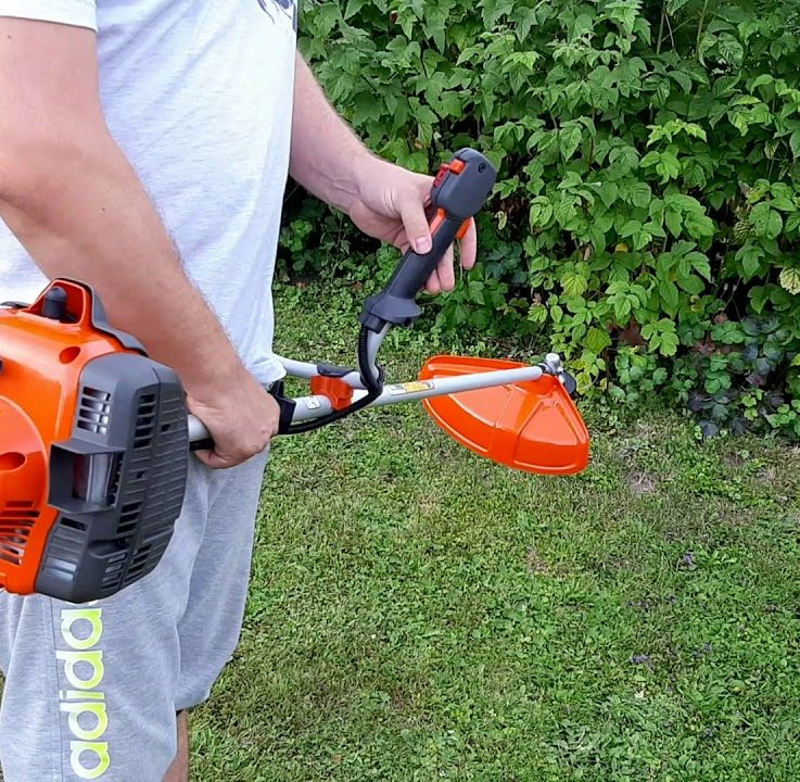 Best Husqvarna String Trimmer – Review & Buying Guide