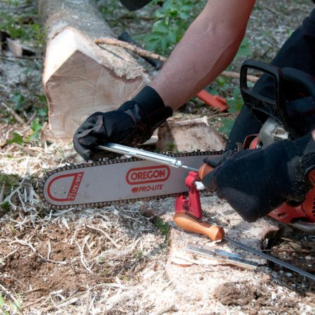 Best Oregon Chainsaw Chains — Review & Buying Guide