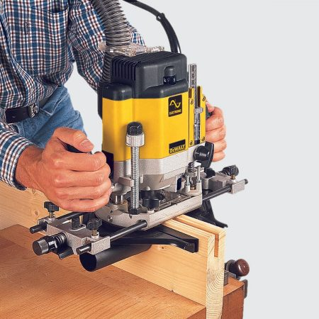 Best Dewalt Router — Review & Buying Guide